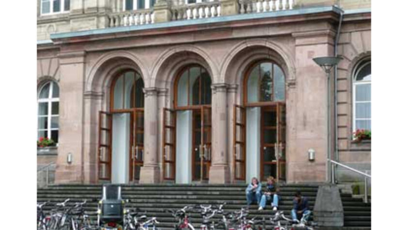 Entrance main building of the RWTH Aachen