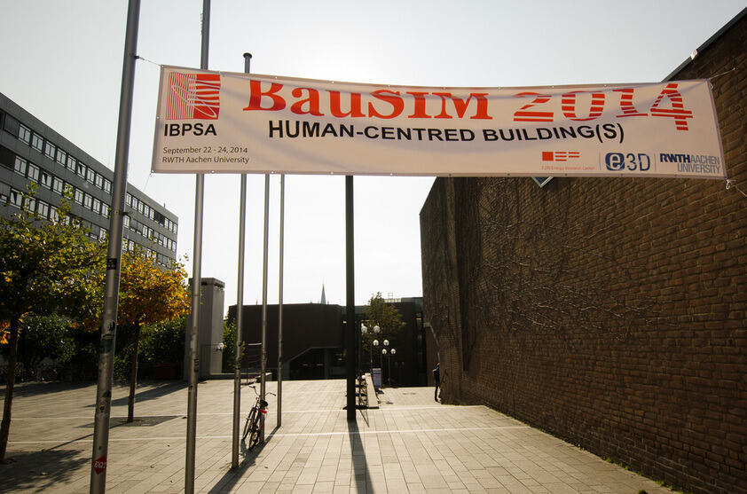 BauSIM Banner am Karman Auditorium